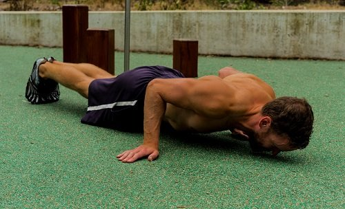 lever-push-up-execution